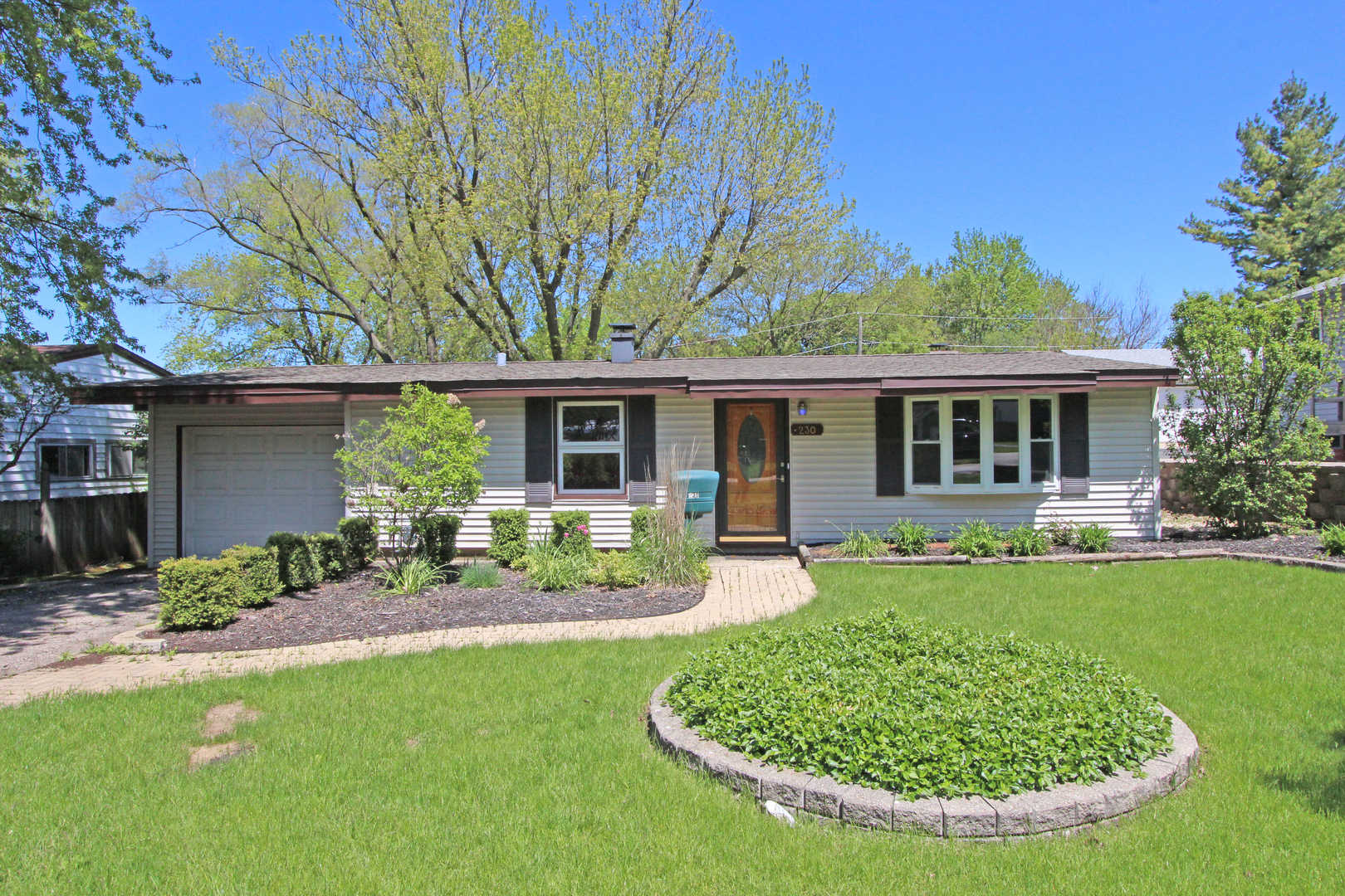 230 Prairie ,Lake Zurich, Illinois 60047